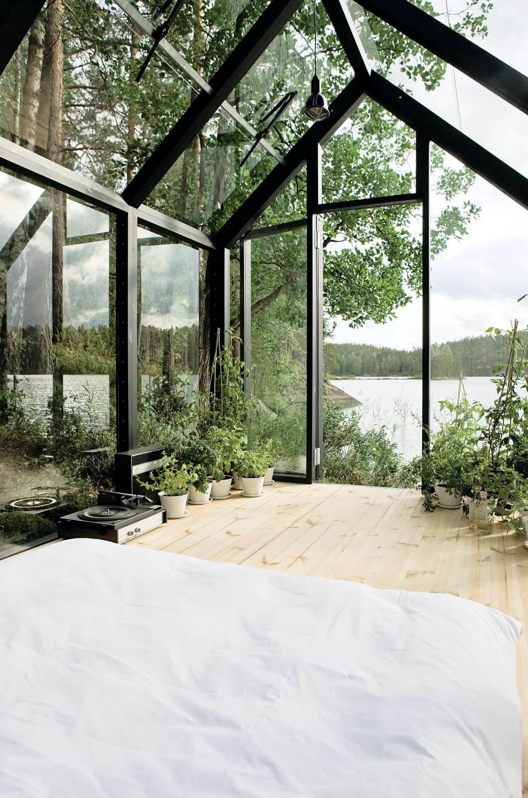 Cabin Fever: 10 Cozy Cabins for Escaping The World