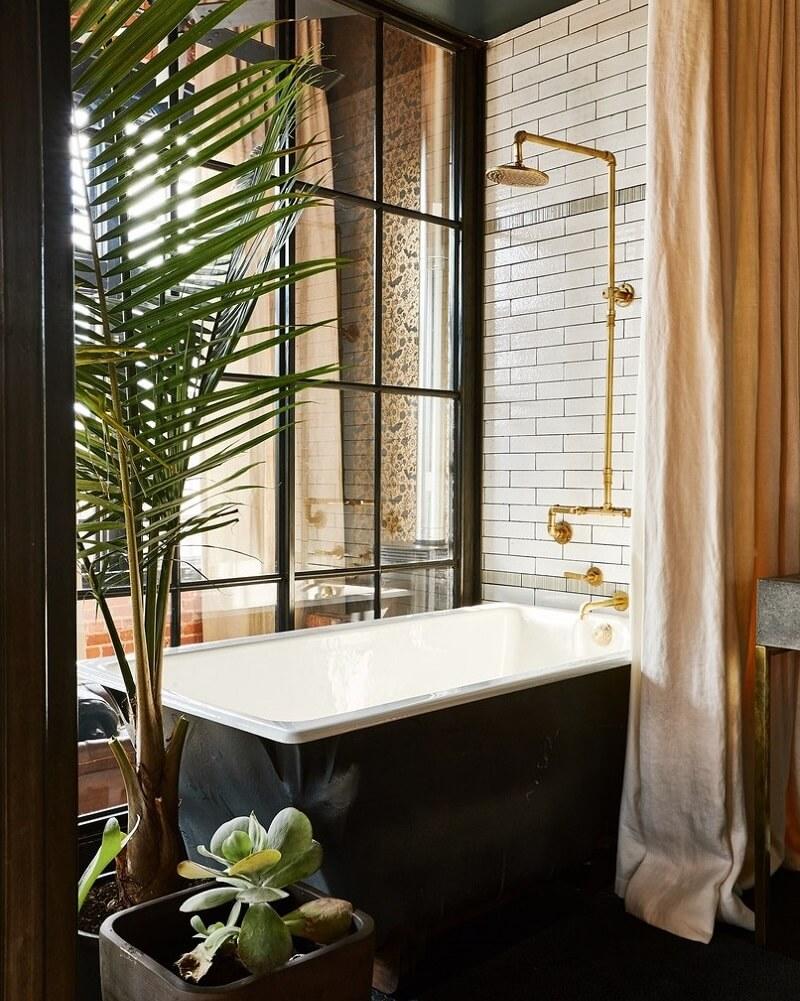 The Industrial Apartment of Alton Brown and Designer Elizabeth Ingram