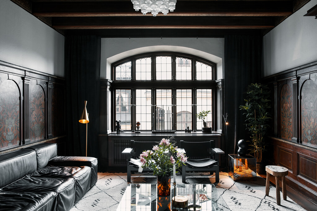 A Dramatic Townhouse in a Historic Building in Stockholm