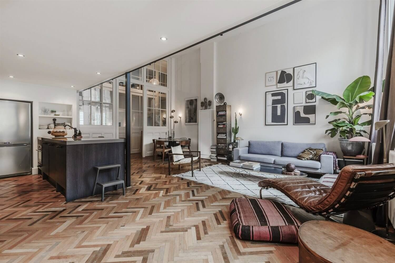 An Industrial Loft On A Canal Street in Amsterdam