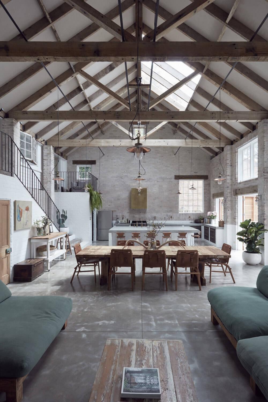 A Modern Rustic Barnhouse in Sydney