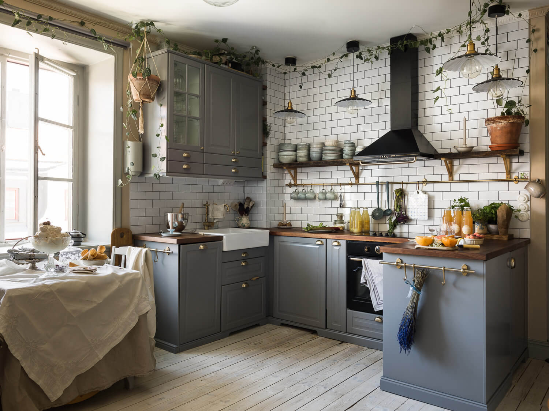 A Romantic Vintage Apartment in Stockholm