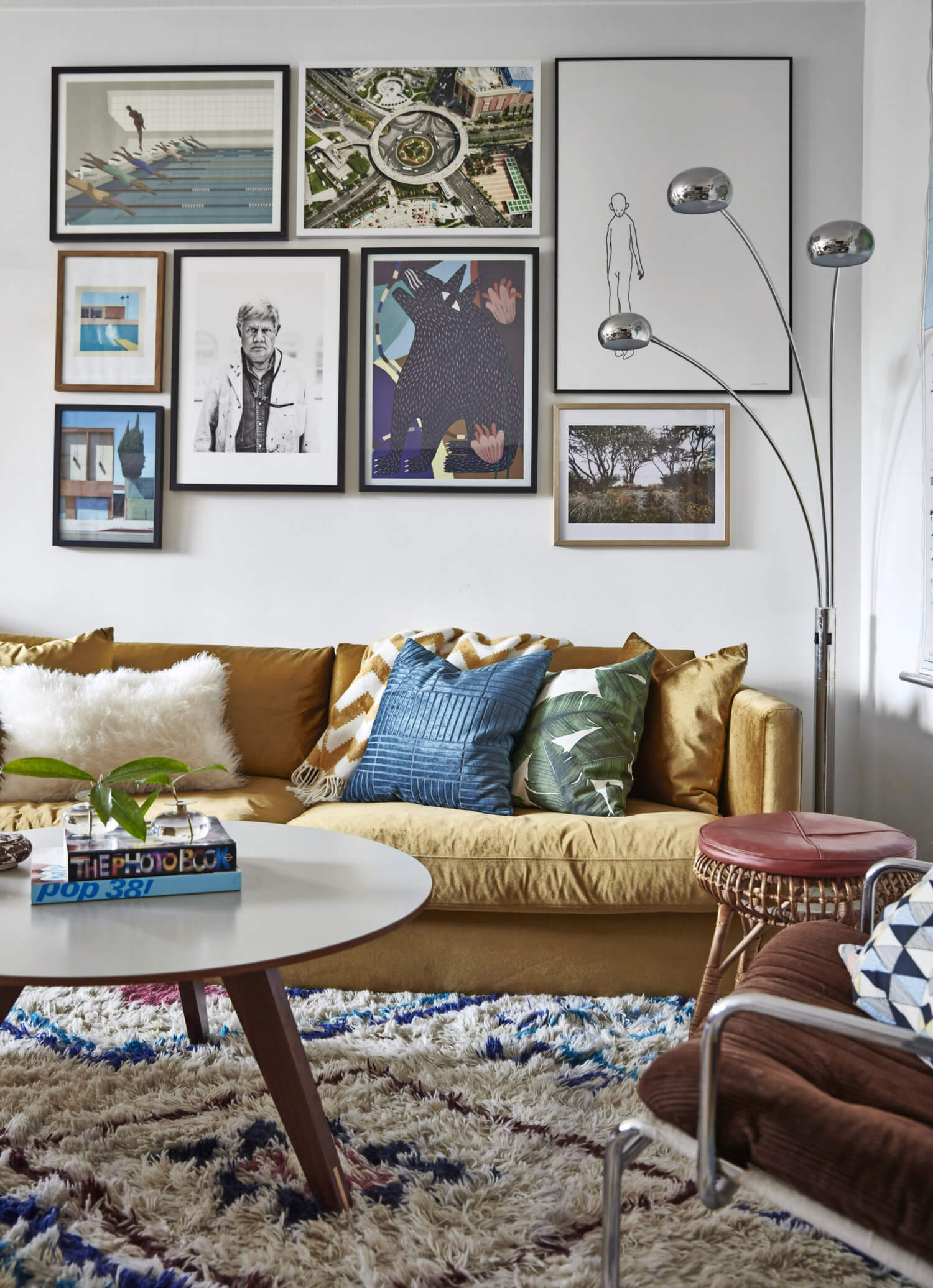 Cozy Textures In A Vintage Apartment in Stockholm
