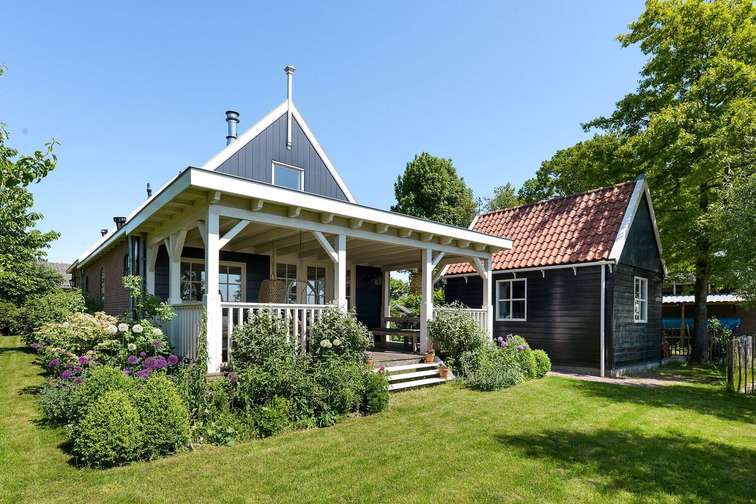 The Countryside Home Of A Dutch Interior Blogger (And It's For Sale)