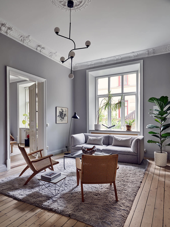 A Serene Scandinavian Apartment Decorated in Grey Tones