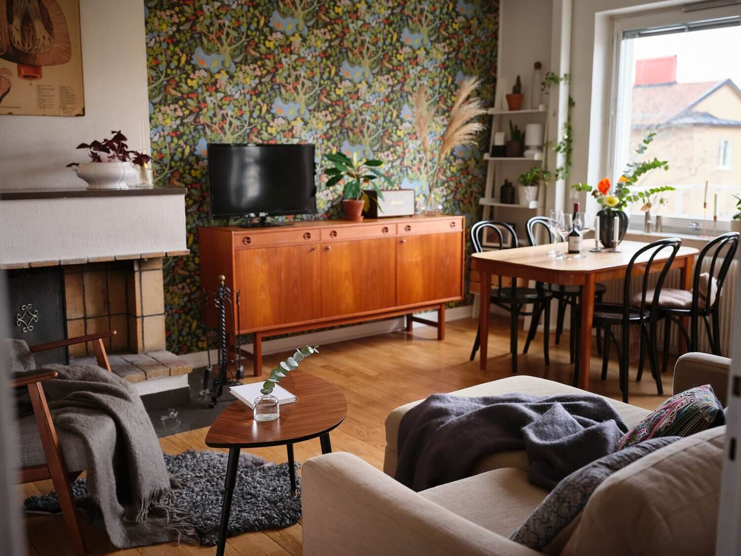 A Small and Cozy Scandinavian Apartment