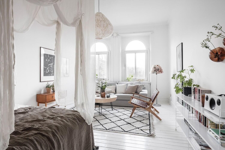 A Bright Scandinavian Studio Apartment