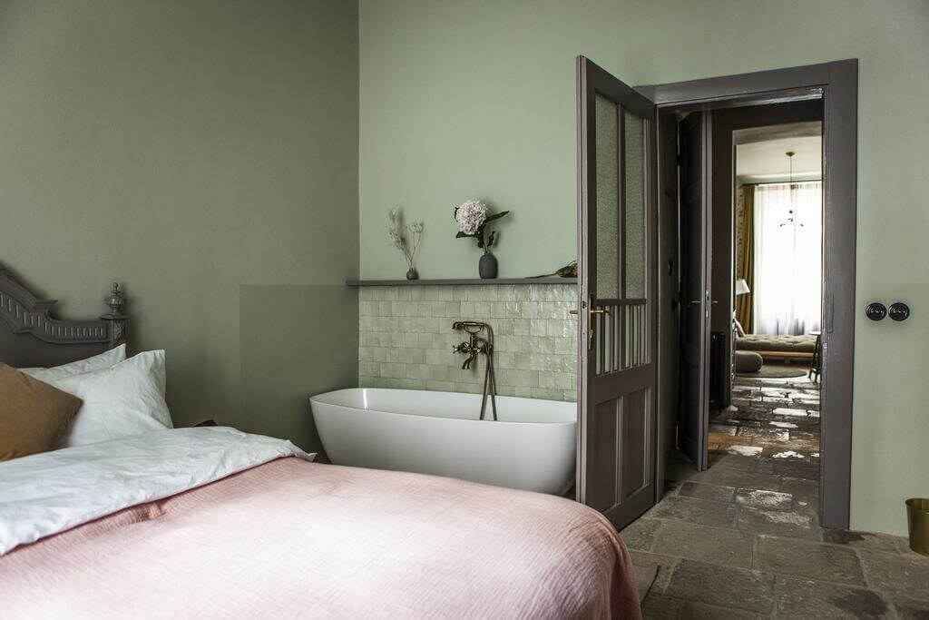 Stay Here | The Emerald in Prague