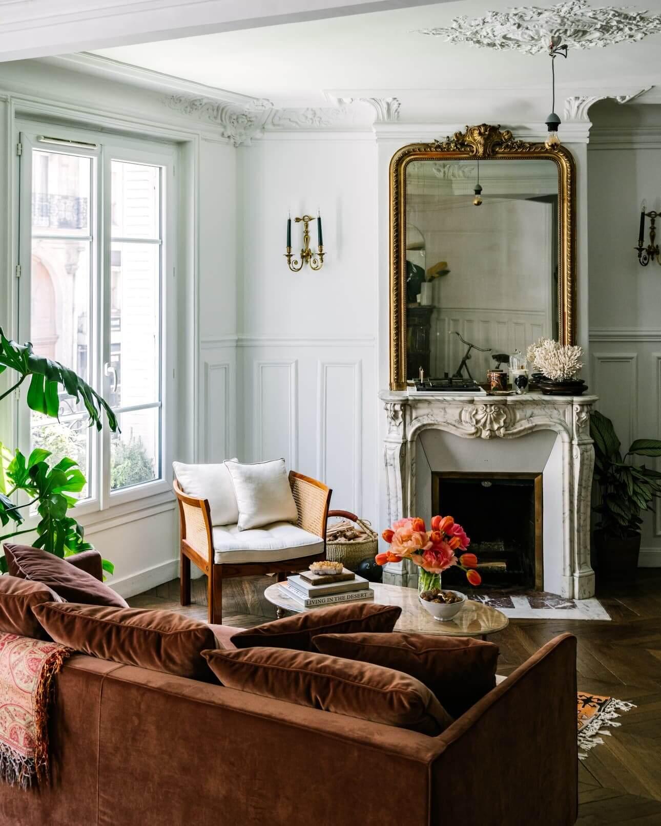 The Beautiful Paris Apartment of Jackie Kai Ellis