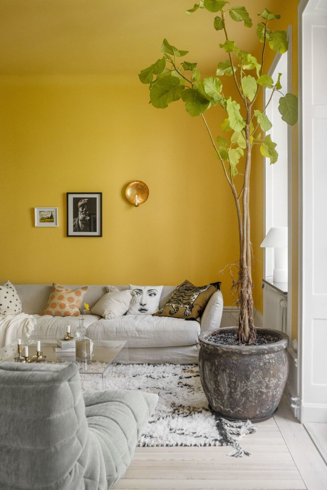 Bright and Neutral Colors in A Stylish Apartment in Stockholm