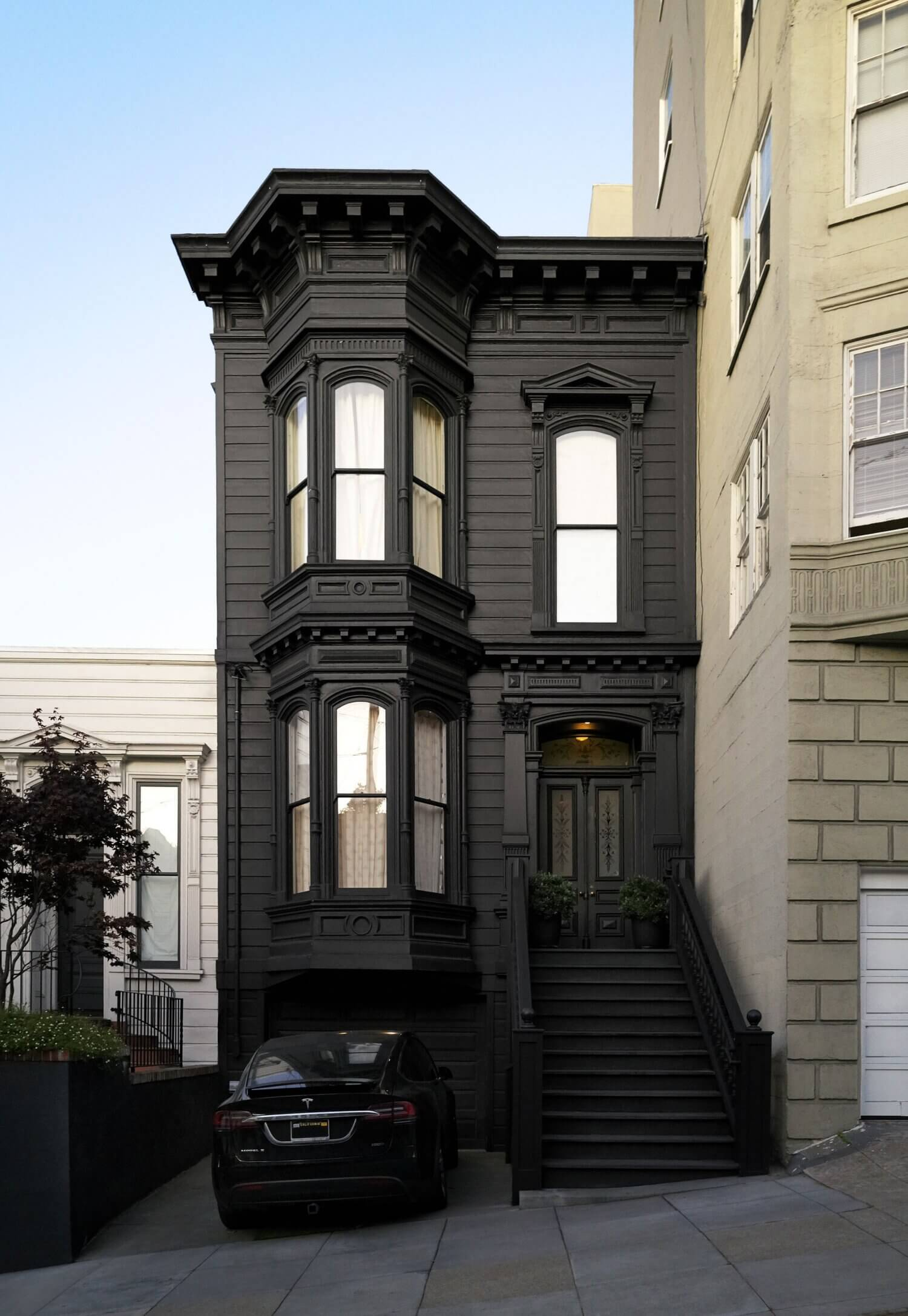 An Interior Designer's Monochrome Bay Area Home with Warm Details