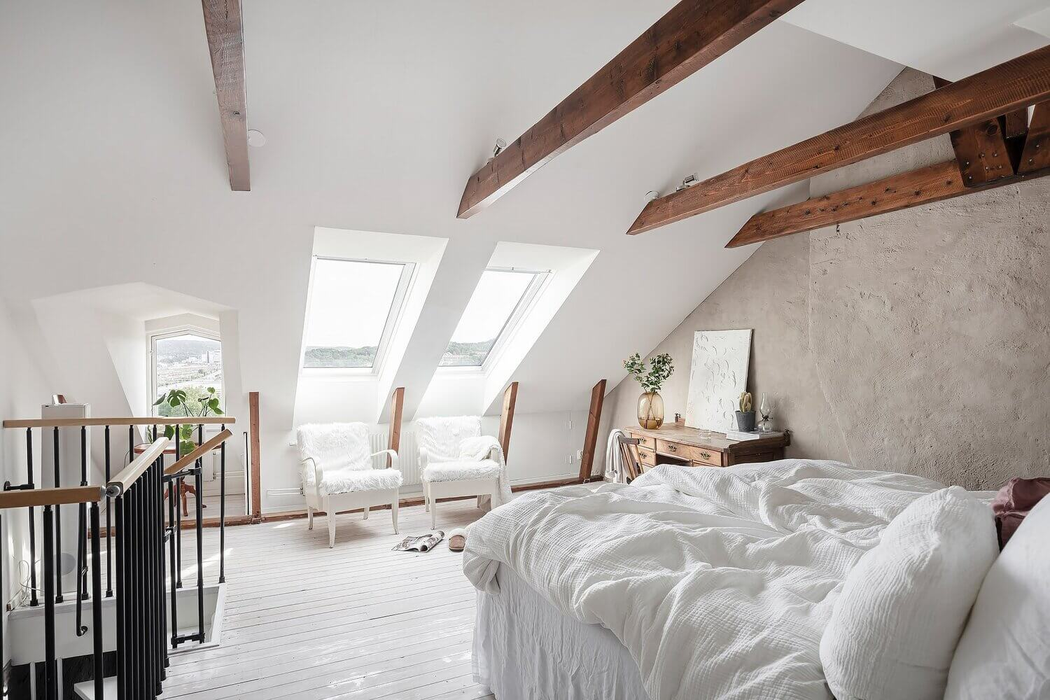 A Scandinavian Maisonette With A Bright Attic Bedroom