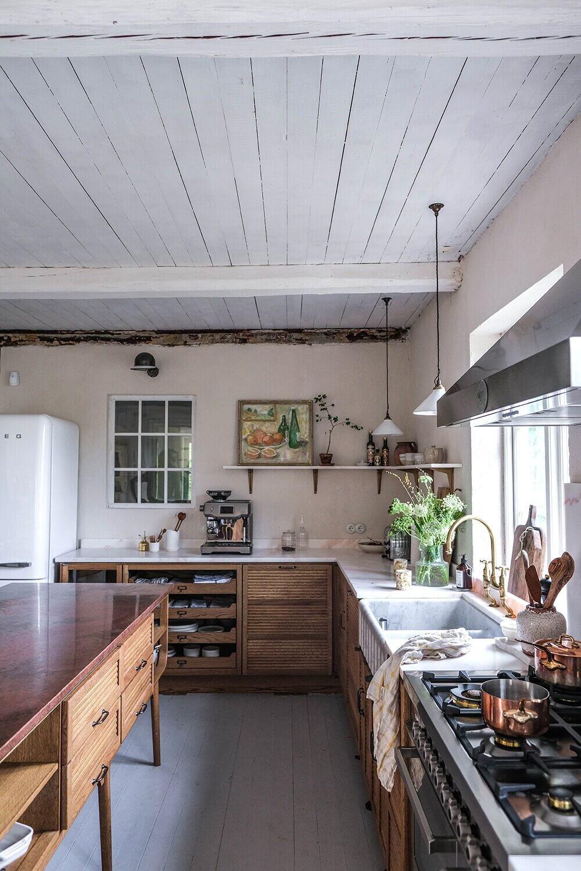 A DeVOL Haberdasher Kitchen In A Swedish Countryside Cottage