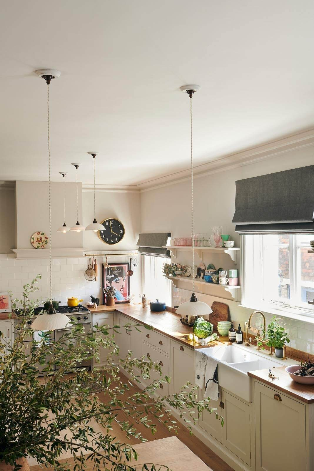 A Wonderful Dining Nook in Zoe Ball's deVOL Kitchen