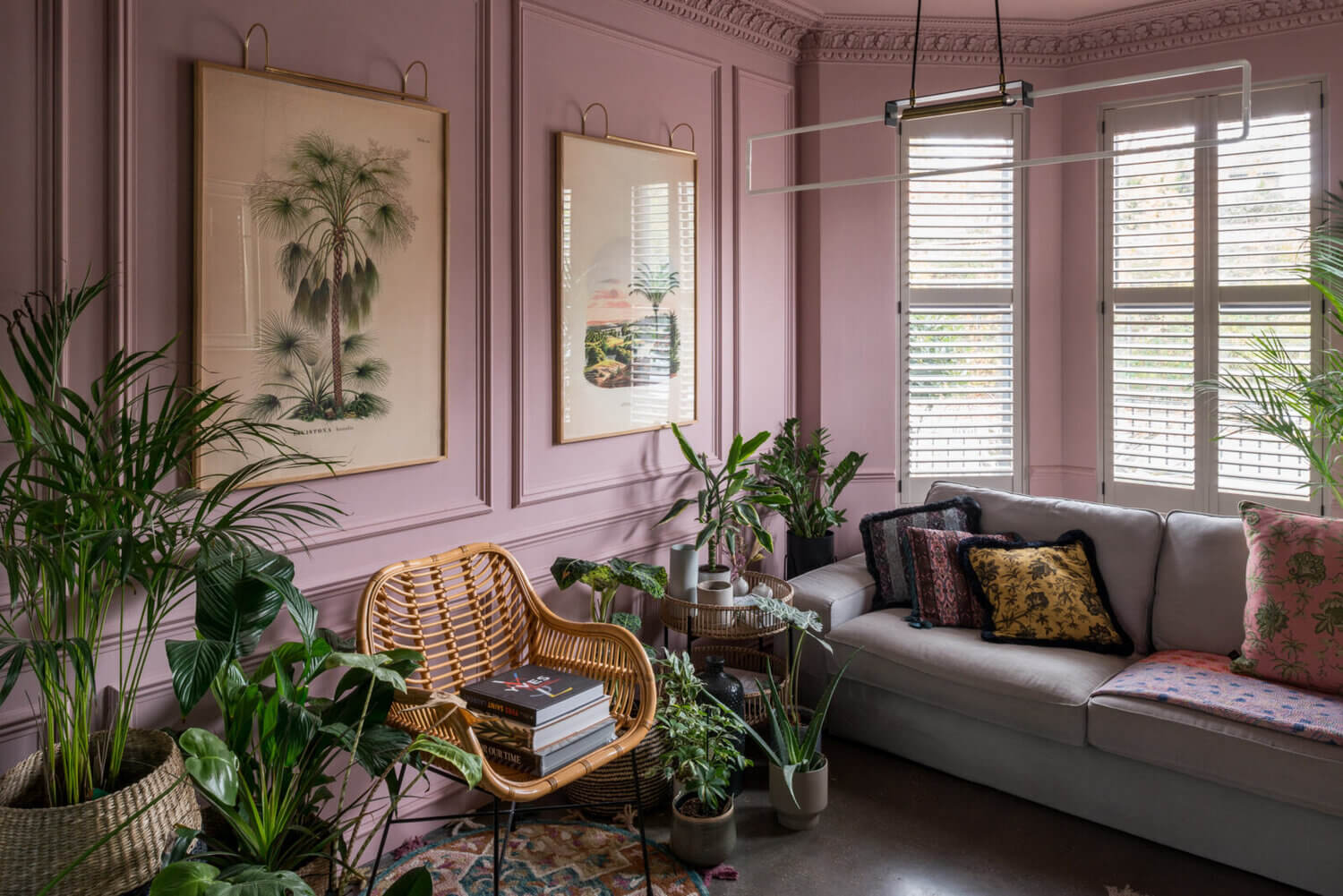 A Black Industrial Look With A Hint Of Pink In A London Townhouse