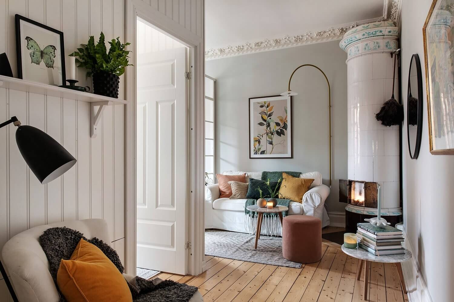 Small Cozy Rooms in a Scandinavian Apartment