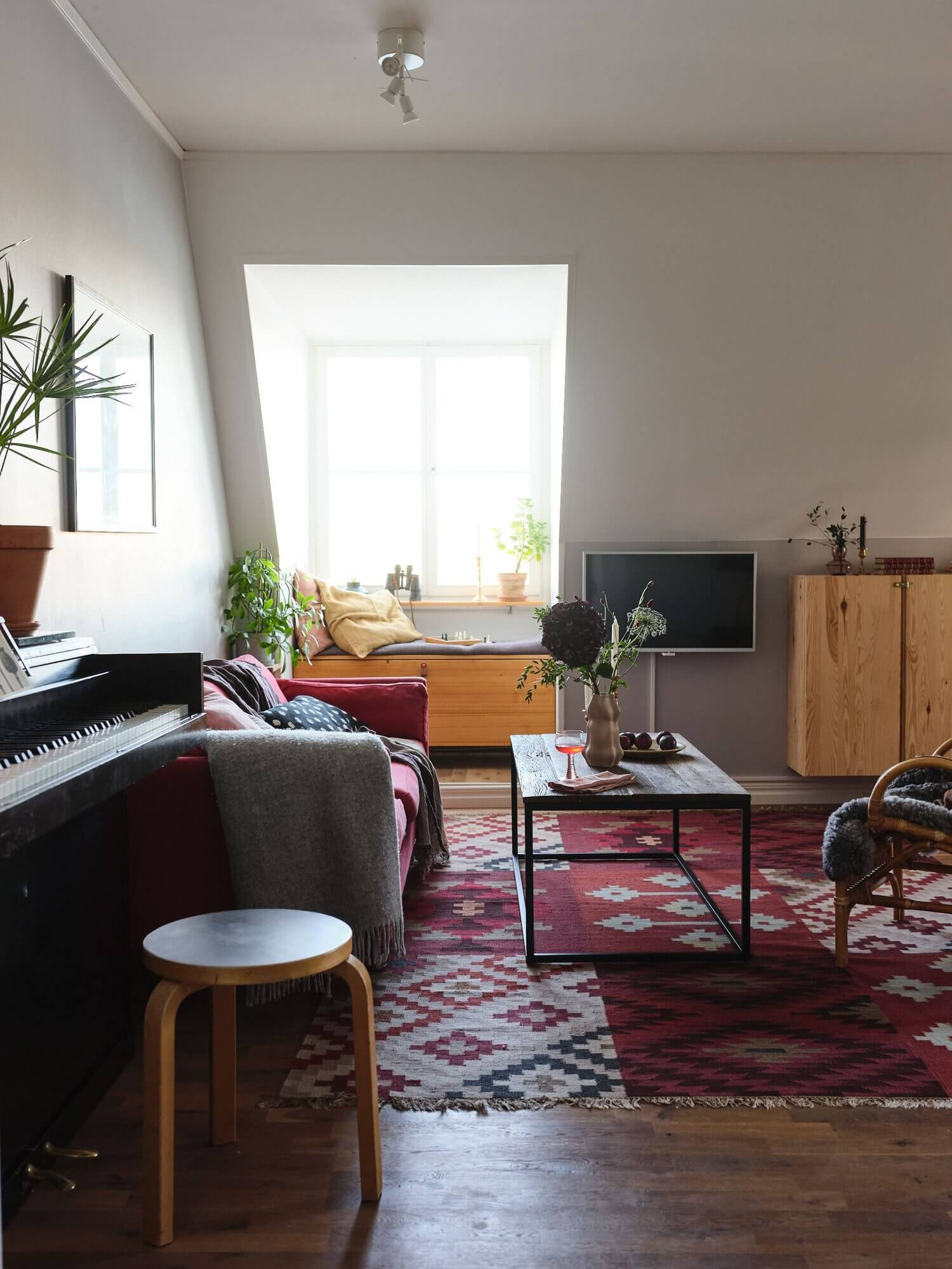 A Cozy Scandinavian Attic Apartment With Canal Views