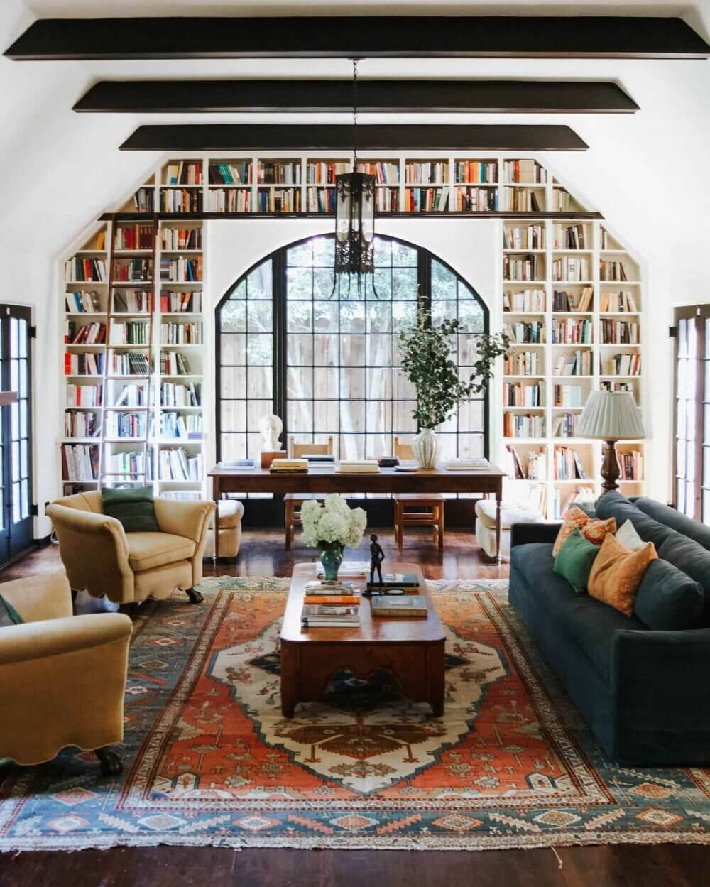 Bookshelves Envy In A 1920s English Tudor House in Los Angeles