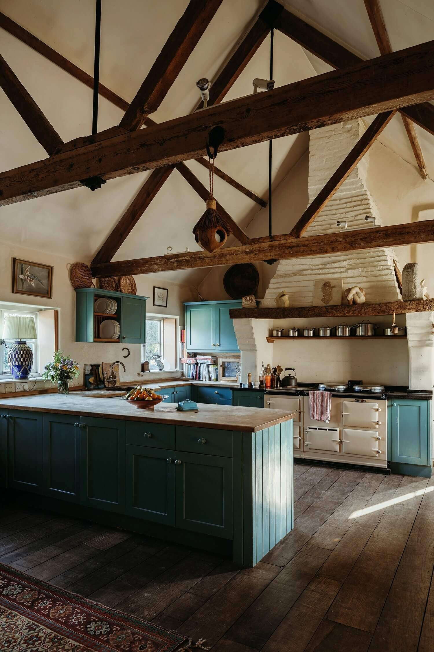 Hunston Manor House: A Renovated 17th-Century Property in West Sussex