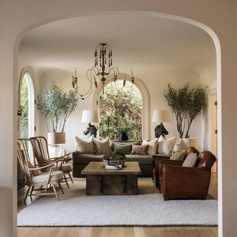 A Beautiful 1920s Spanish-Style Villa in Los Feliz