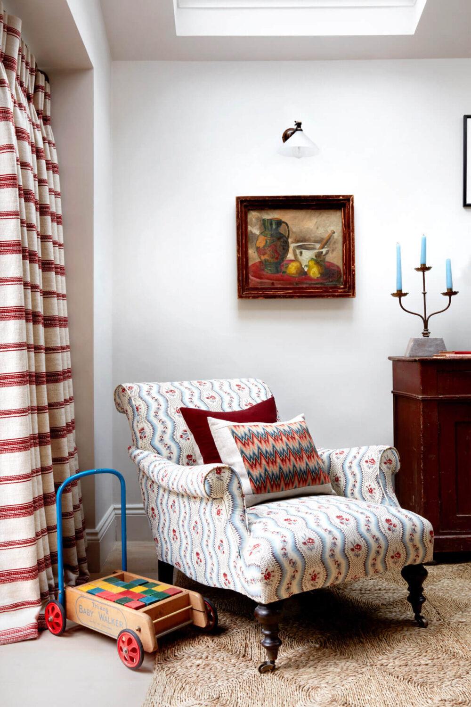 interior-designers-colorful-london-cottage-nordroom