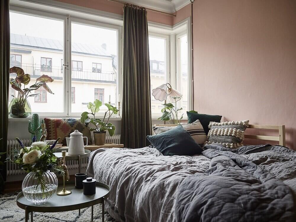 A+Pink+Studio+Apartment+With+Grey+Kitchen+-+The+Nordroom