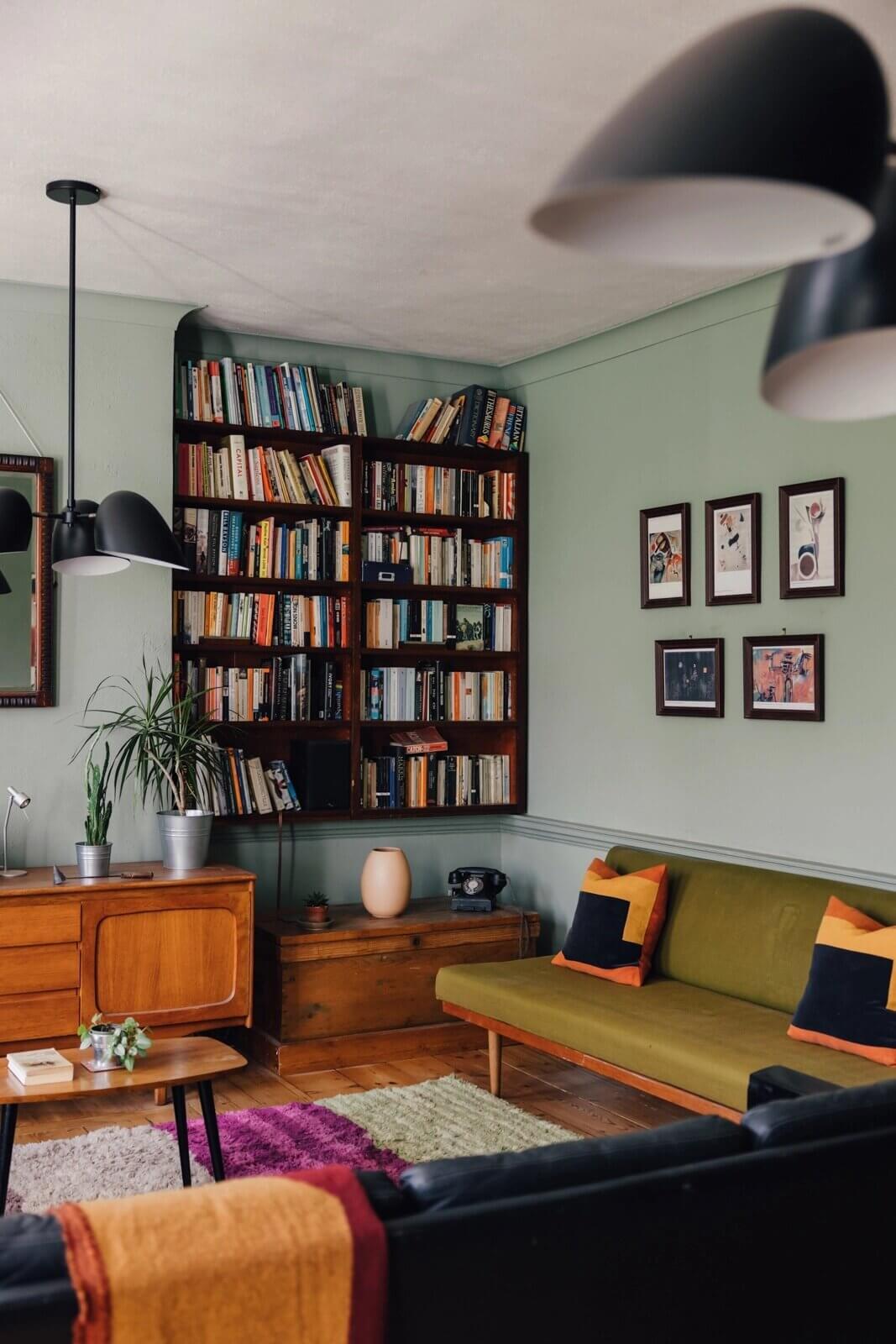 A Mid-Century Look for a London Maisonette