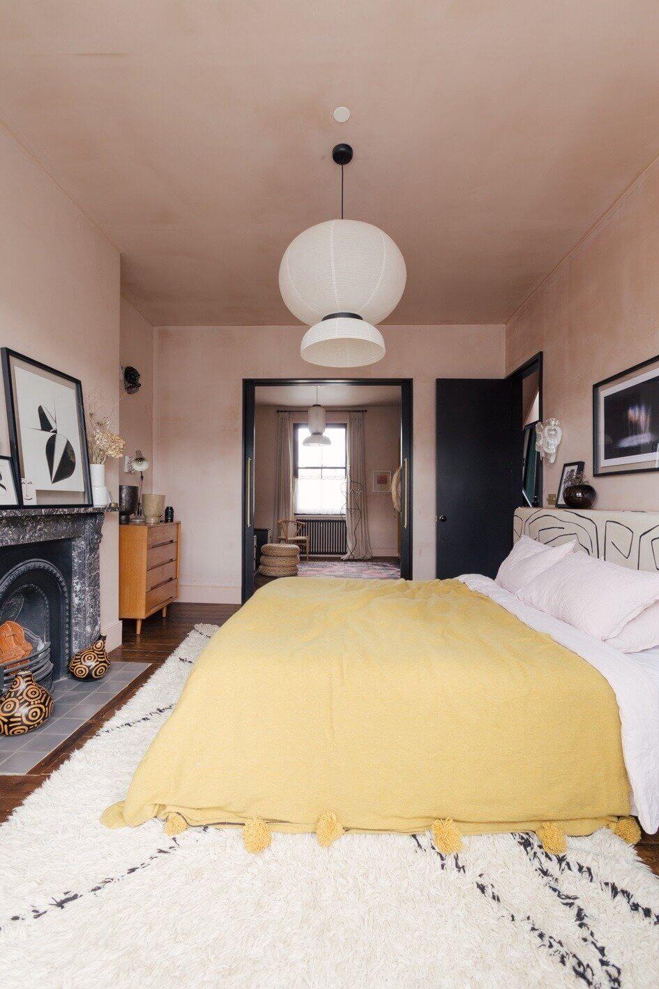 bedroom-plaster-pink-walls-nordroom