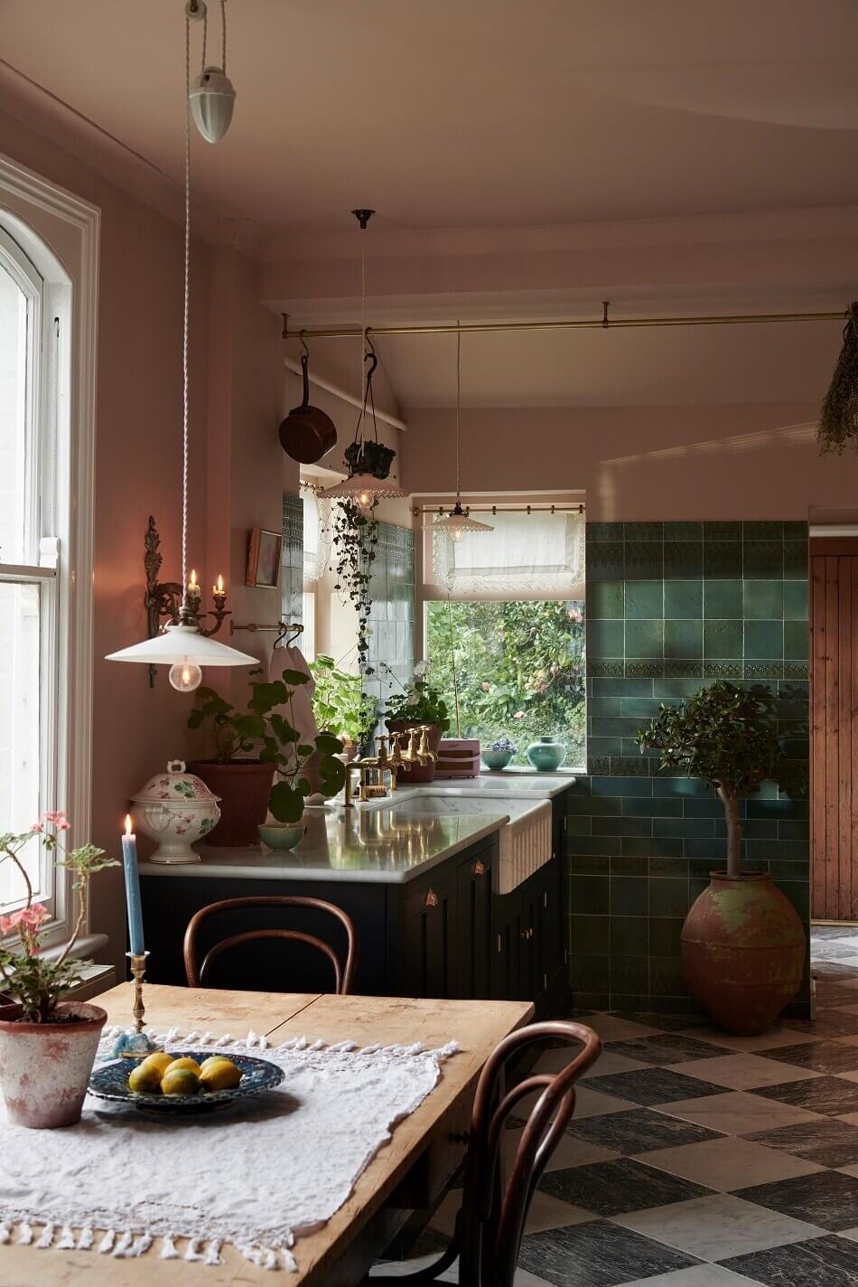 A Classic deVOL Kitchen with Mediterranean Color Scheme