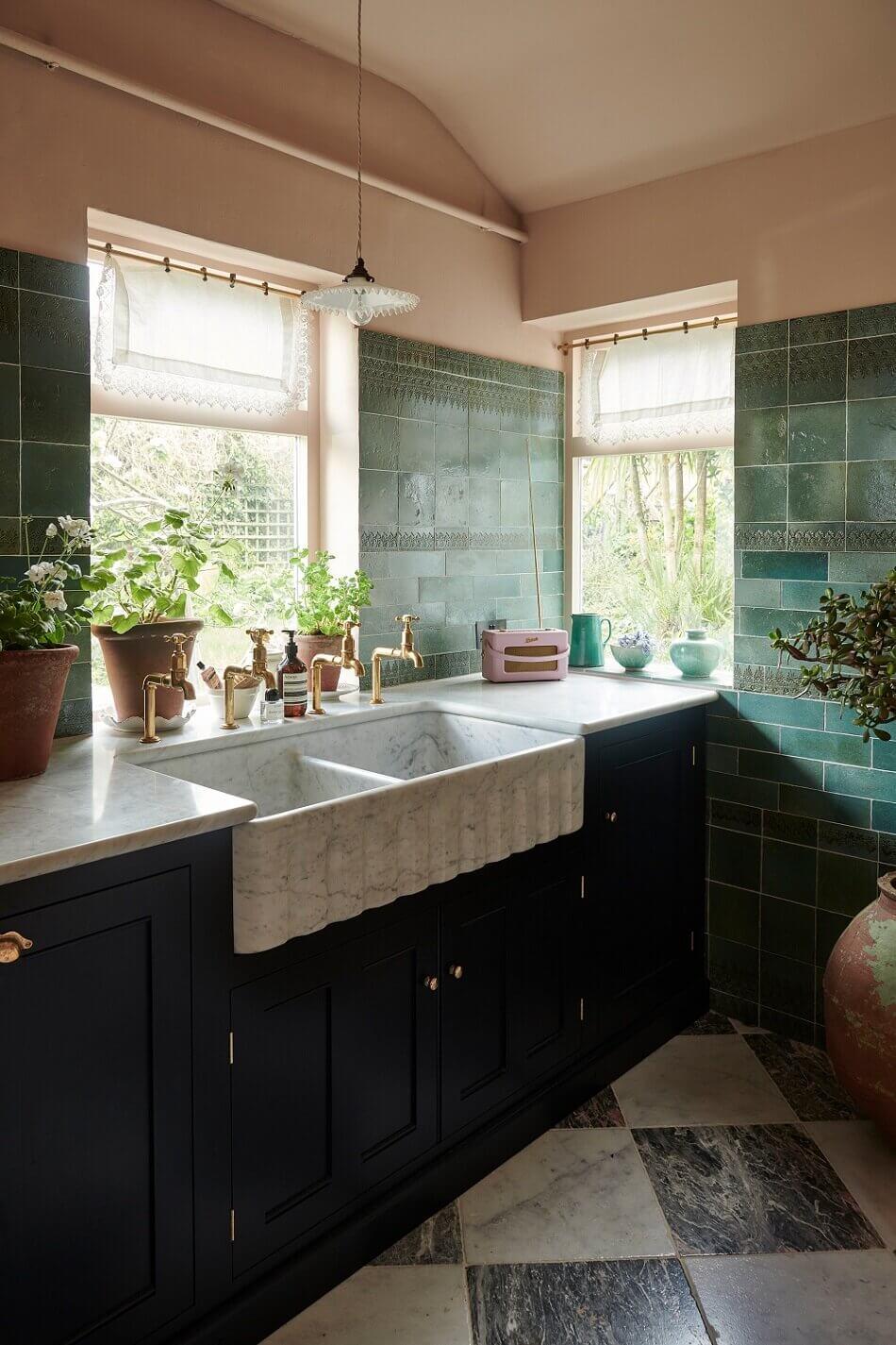 classic-devol-kitchen-mediterranean-colors-nordroom