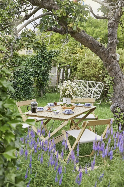 garden-allotment-apple-tree-lavender-sweden-nordroom