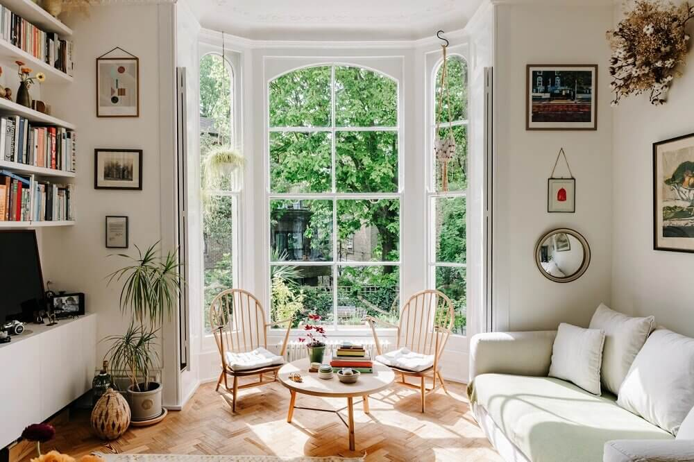 light-filled-london-apartment-bay-window-nordroom