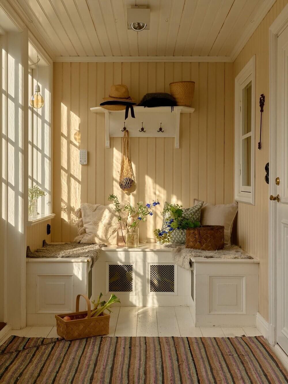 mudroom-idyllic-swedish-house-tower-room-nordroom