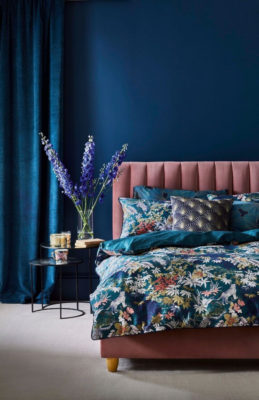 pink-bed-blue-walls-nordroom