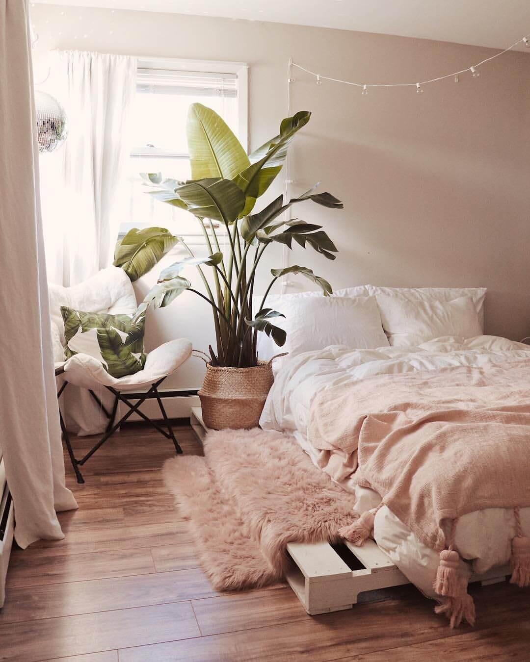 pink-textiles-bedroom-decor-nordroom