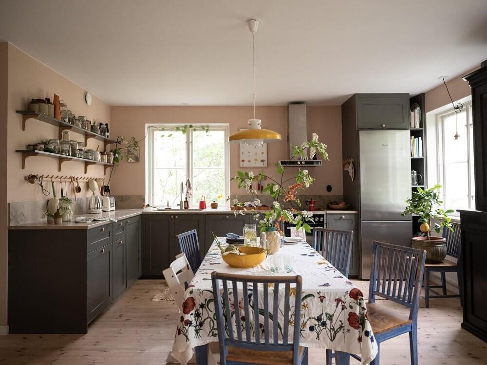 pink-blue-scandinavian-apartment-nordroom