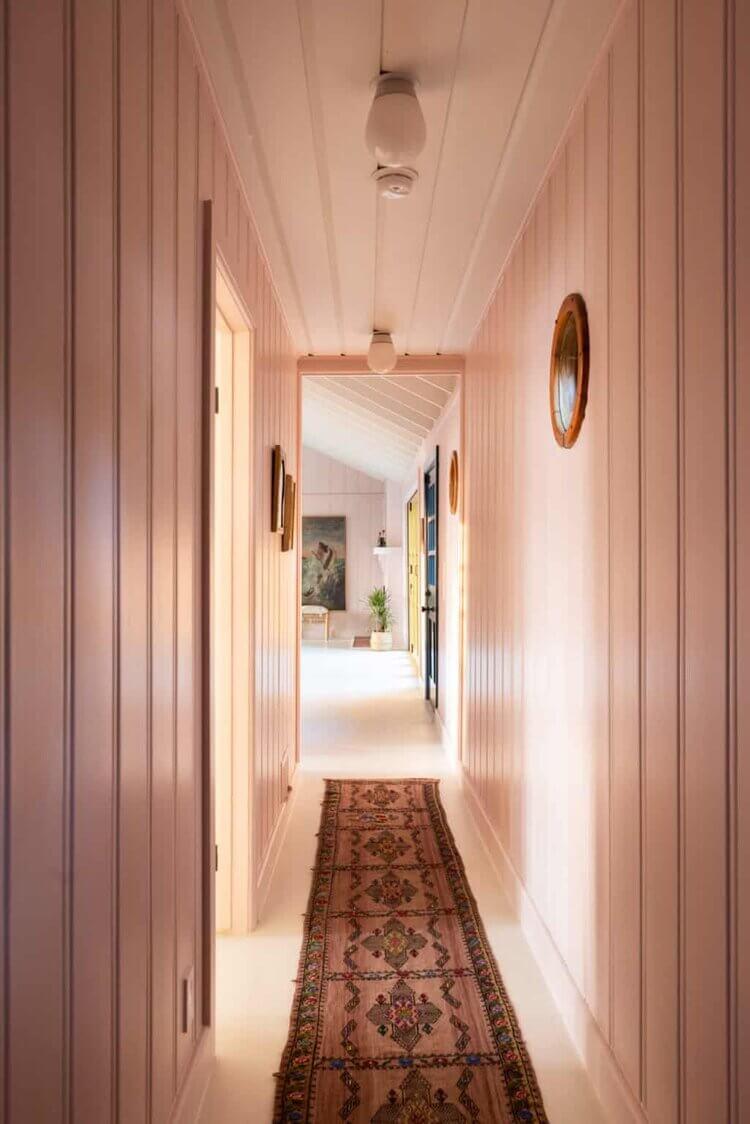 pink-hallway-midcentury-home-los-angeles-nordroom