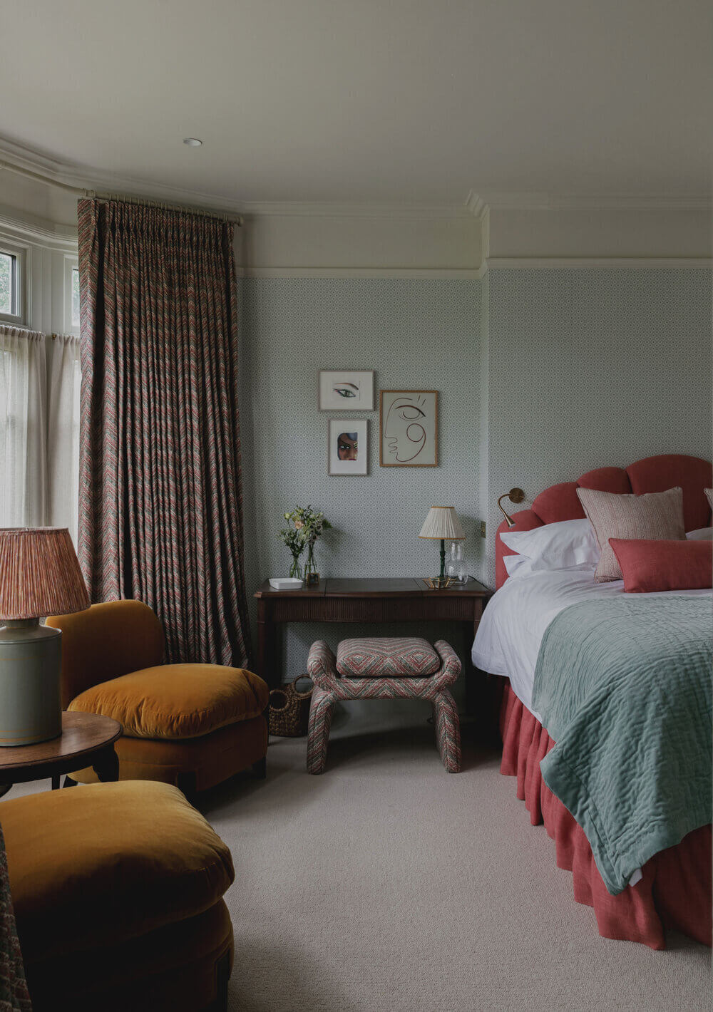 pink-velvet-bed-nordroom