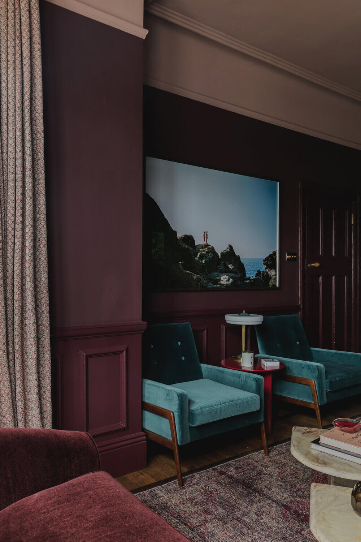 purple-living-room-blue-velvet-midcentury-armchair-london-studio-duggan-nordroom