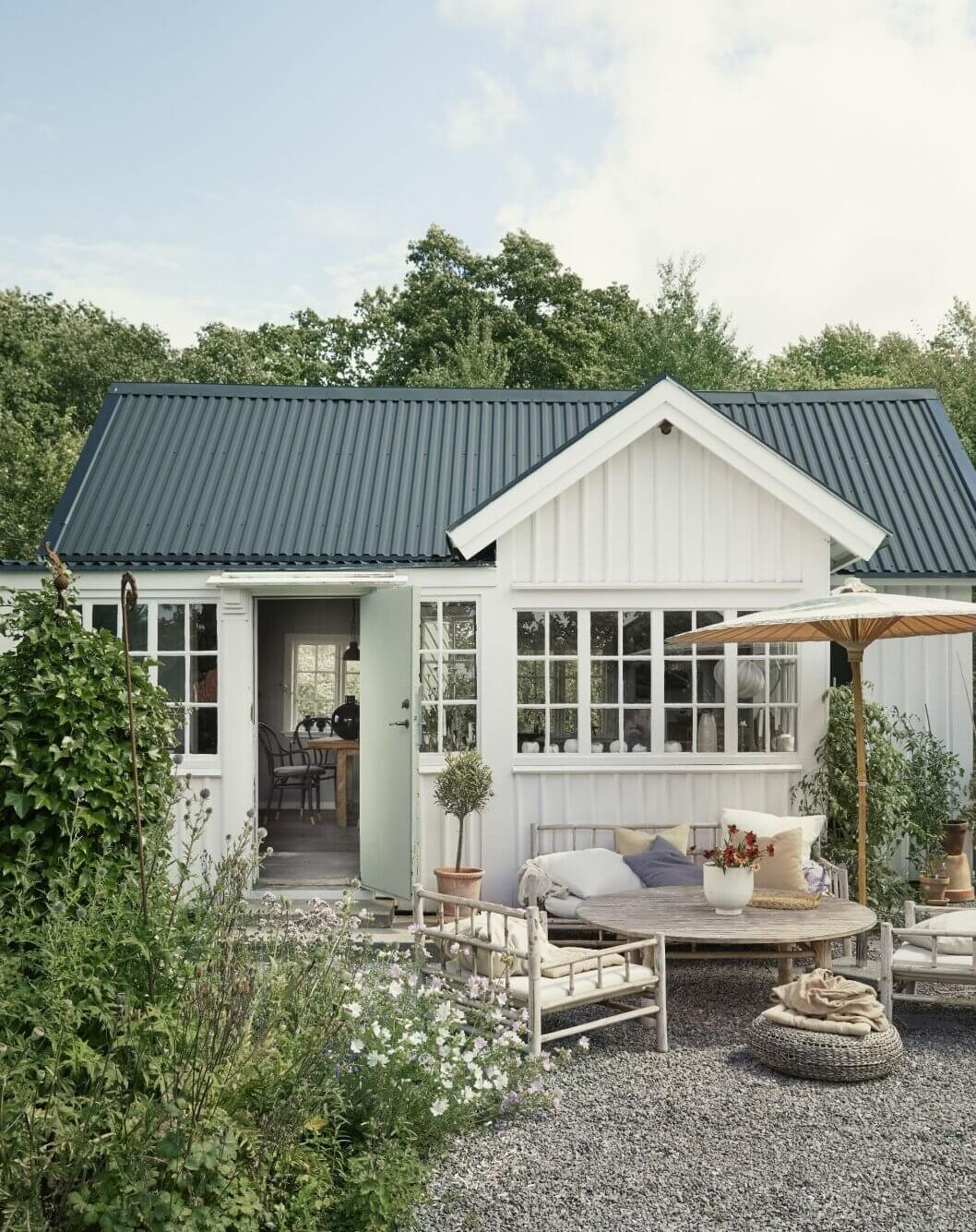 small-cottage-farmhouse-allotment-garden-recycled-nordroom