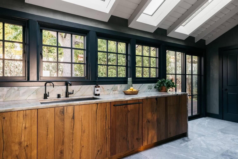 wood-kitchen-skywindow-carrera-marble-midcentury-nordroom