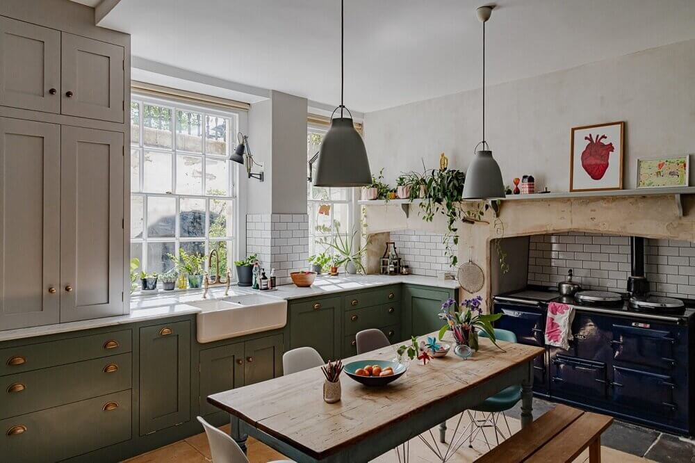 A Vibrant Colorful Townhouse in Bath