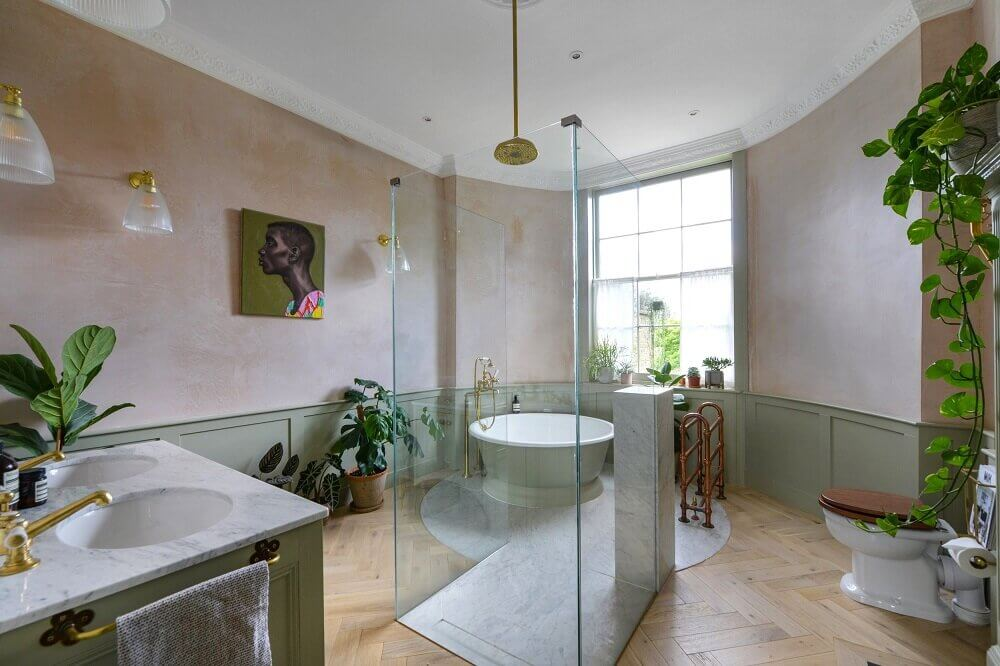 A Luxurious Master Suite in London