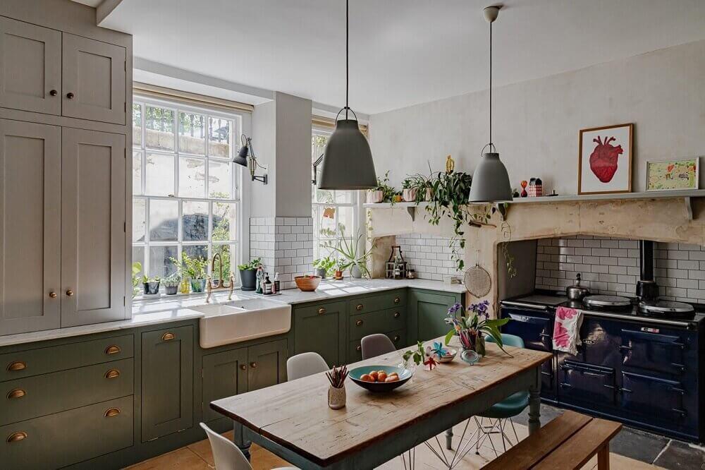 green-english-farmhouse-kitchen-nordroom