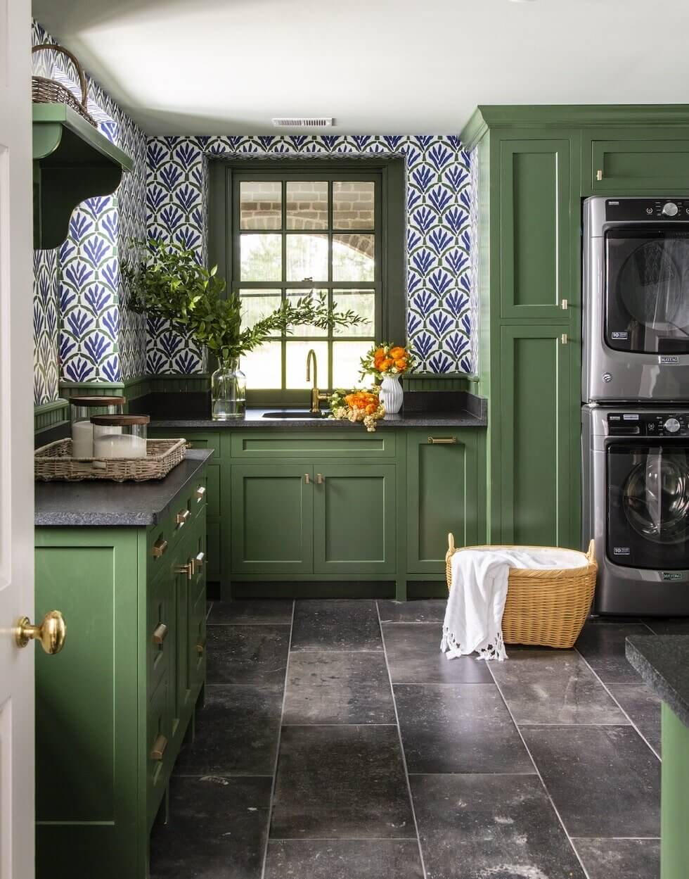 green-kitchen-blue-tiles-nordroom