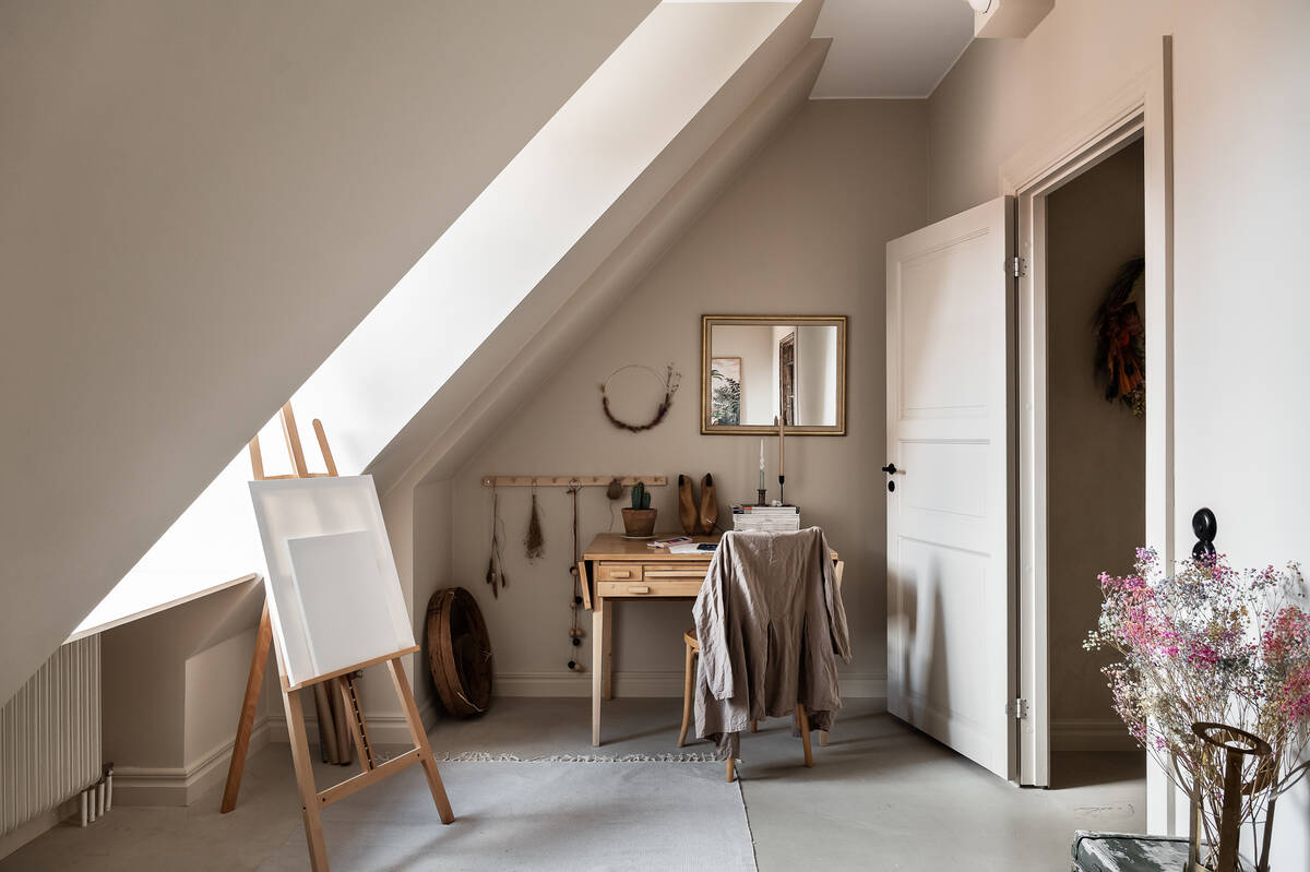 stockholm-apartment-warm-neutral-color-palette-nordroom