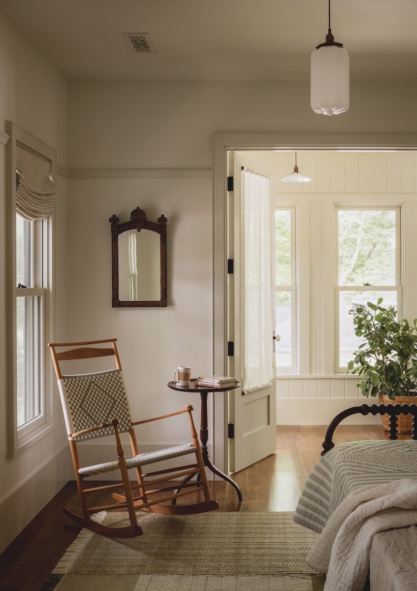 bedroom-rocking-chair-iowa-city-house-jessica-helgerson-nordroom