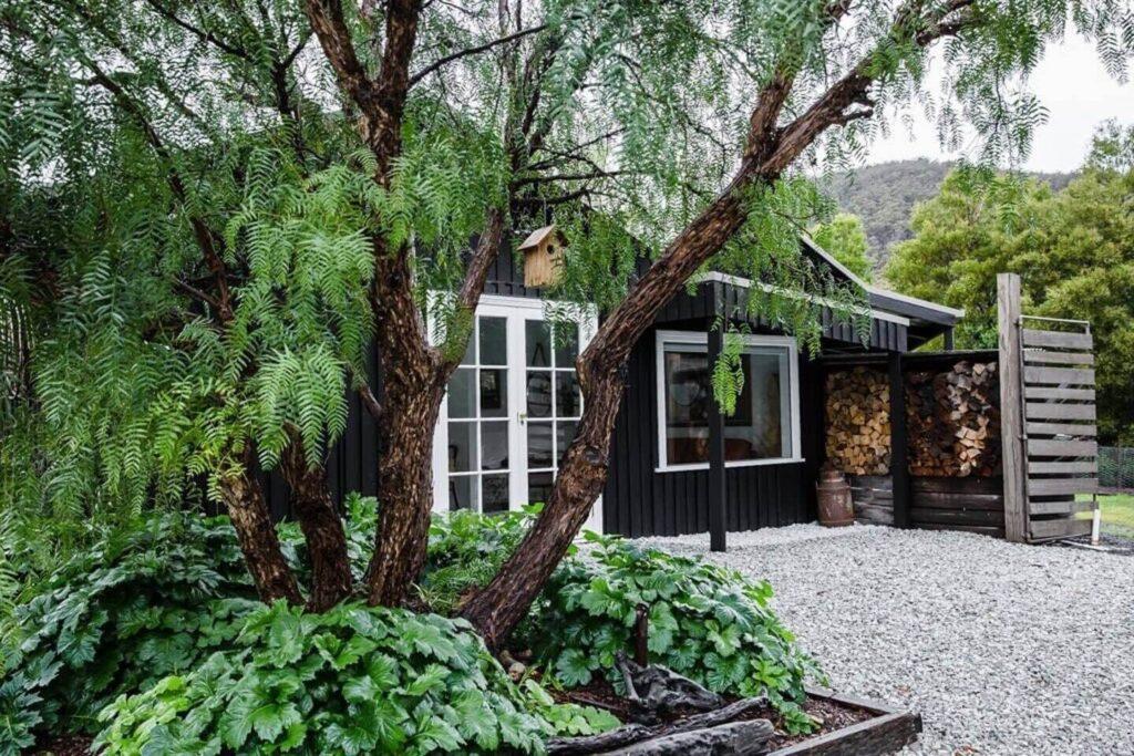 cloud-river-farm-stylish-holiday-cottages-tasmania-nordroom