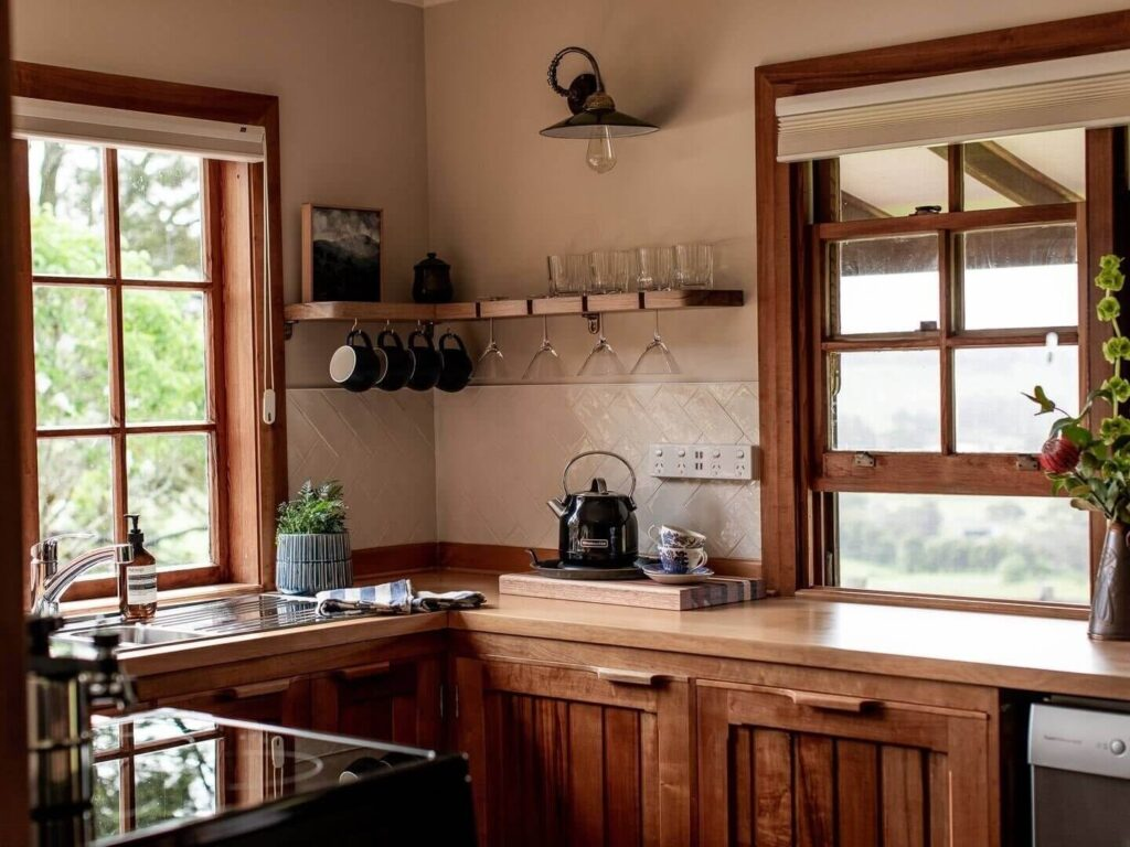 hand-built-eco-luxe-cottage-tasmania-nordroom