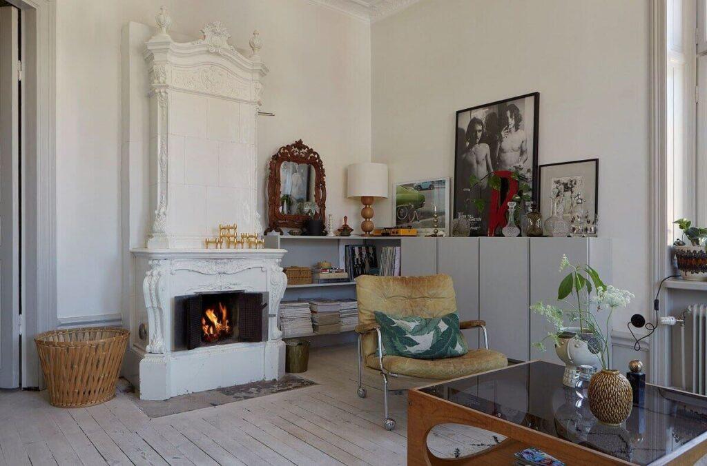 light-scandinavian-living-room-kakelugn-fireplace-nordroom